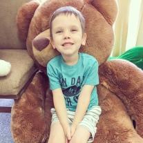 boy with big teddy bear